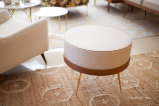 Natural Pouf in teakwood with natural teakwood oil finish, polished brass legs, can also be used as a table without fusion