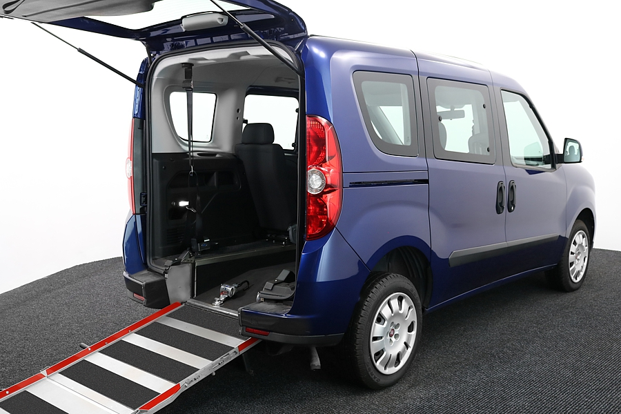 Wheelchair-Accessible-Vehicle-FIAT-Doblo-VE62AHJ-Blue-5
