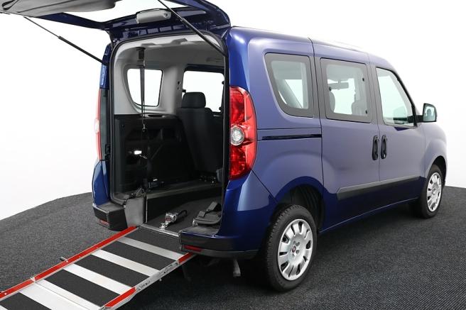 Wheelchair-Accessible-Vehicle-FIAT-Doblo-VE62AHJ-Blue-5